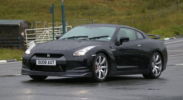 Top Gear sasit Nissan GT-R