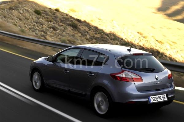 Renault Megane 2009 bildēs