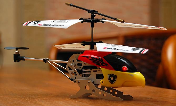 Tests: radiovadāmais helikopters Helicmax Eagle