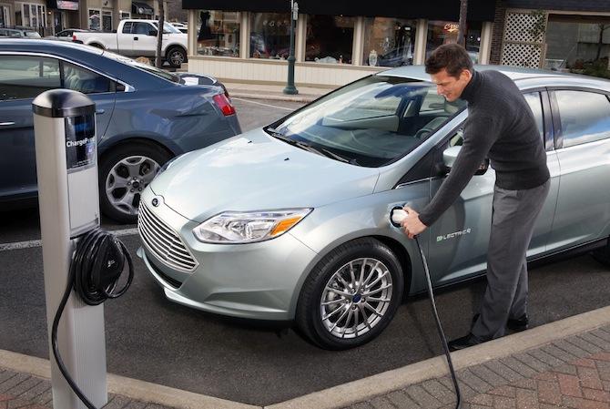 Ford gatavo pilnībā elektrisku Focus