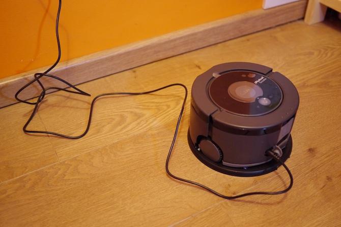 Tests: Grīdas mazgājamais robots iRobot Scooba 230