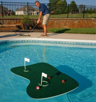 pašam savs golfa laukums