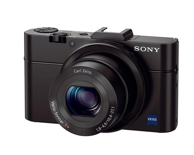 Sony prezentē divas, jaunas fotokameras - RX1R un RX100 II