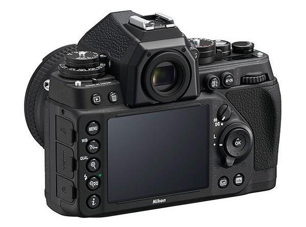 Beidzot arī Nikon faniem feina retro stila kamera