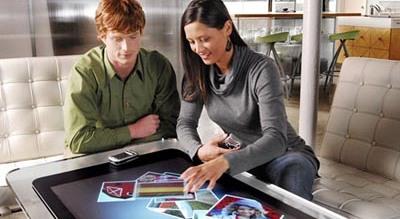 Microsoft Surface: interakt�v� virsma
