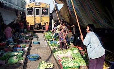 Kā vilcieni brauc Bangkokā?