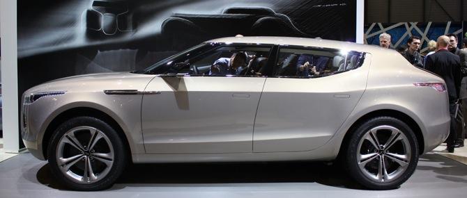 Aston Martin Lagonda - nākotnes neglītenis no pagātnes