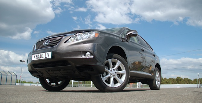 Tests: Lexus RX350 President