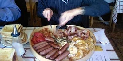 Bezmaksas brokastis ar āķi