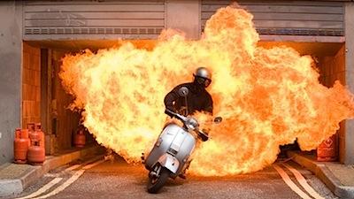 Stilīga filmiņa par motorolleru drošību