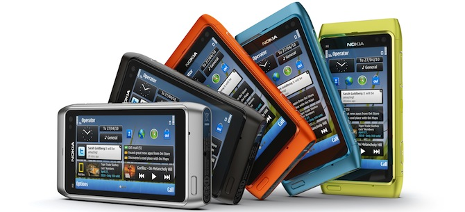 Nokia N8 iepriecina ar Symbian3, monolītu korpusu un dīvainām krāsām