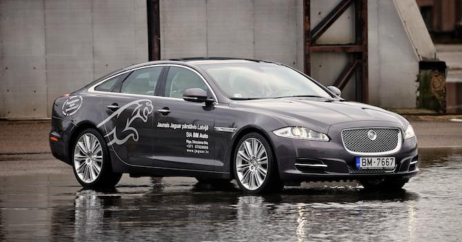 Tests: Jaguar XJ 3.0 V6D