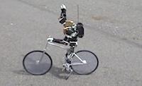 Sasvīduši roboti velosipēdisti