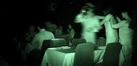 Tests: Vakariņas tumsā – piķa melna nakts un kulinārā akrobātika