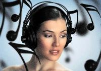 Pakutini ausis pie virtuālā friziera