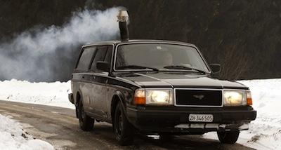 Kā dubultot auto CO2 izmešus