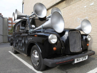 """""""Skaņas Taksis"""" pārvērš Londonas ielu kņadu mūzikā"""