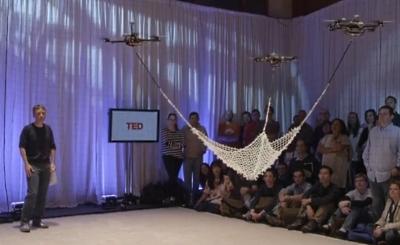 Roboti lido atkal, spēlējas ar jums un mācās izmantot tīklu