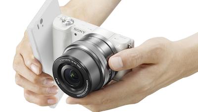 Sony laiž klajā jaunu bezspoguļa fotokameru Sonyα5100