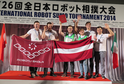 Latvija uzvar pasaules Sumo Robotu čempionātā Japānā
