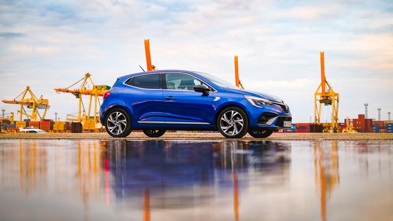 Renault Clio E-Tech hibrīds