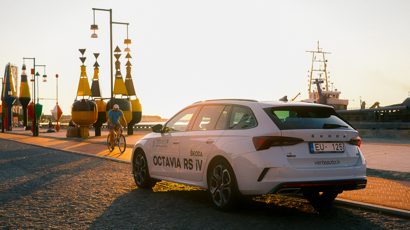 Škoda Octavia RS iV 2021 - karstais hibrīds